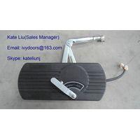 Electric bifold bus door system and bus door mechanism