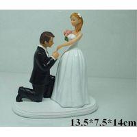 Polyresin wedding figurine