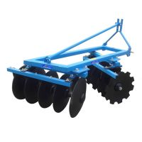 Heavy hydraulic folding disc harrow