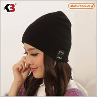 2015 New style knitted beanie hat Wireless headphone hat for Christmas gift unique rechargeable musi