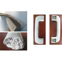 Microcellular moulds handle