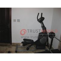 Elliptical trainer mould