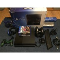 Wholesale PlayStation 4 - 500 GB -2 contollers + 5 free games