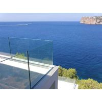 Tempered and toughened glass for building material