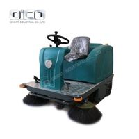 C200B driveway cleaning road machines mechanical sweeper machine electric outdoor sweeper