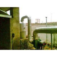 Horizontal rotating environmental protection type waste plastics refining equipment