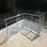 Stainless steel balustrade for porch