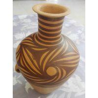 Water eyes pattern Pottery Jar