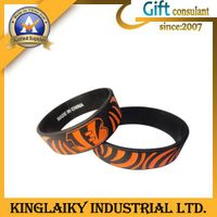 Customized Silicone Wristband for promotional gift
