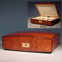 The Bijoux Jewelry Box