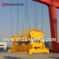 Hydraulic telescoping automatic container spreader