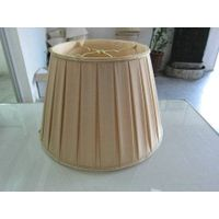 pleated lampshade thumbnail image