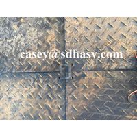 Man-handleable black ground mats Temporary road mats