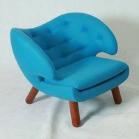 Finn Juhl Pelican Chair thumbnail image
