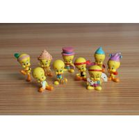 Tweety Bird figures