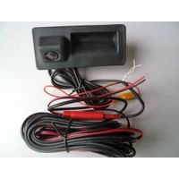 Audi trunk rearview camera with reverse trajectory