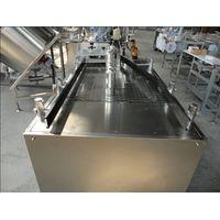 aerosol filling and sealing machine
