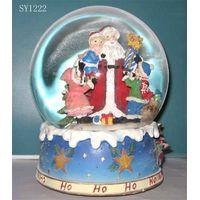 Polyresin Christmas snowglobe, waterglobe