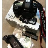 Canon EOS 5D 22.3 MP Mark III Digital SLR Camera