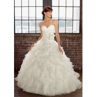 Tulle Sweetheart Ball Gown Luxurious Wedding Dress thumbnail image