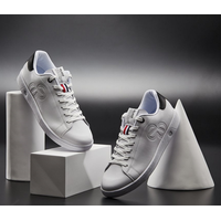 Sneakers with natural ventilation system / Style name : HYSSOP