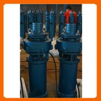 solar power submersible water pump