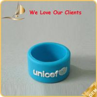Customized logo silk-printing debossed silicone finger ring