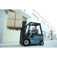 Sell Royal 2-2.5t 4-wheel Electric forklift with original Japanese engine