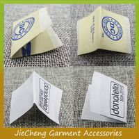 OEM privated damask cheap woven garment t shirt center fold clothing label