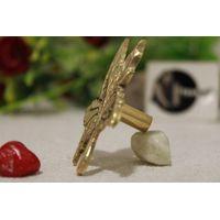 Brass Knob In Leaf Shape thumbnail image