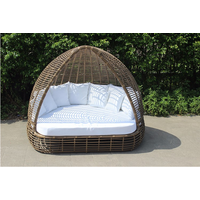 Hot selling wicker rattan sun beach bed with canopy outdoor bed