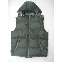 BASIC STYLE MENS PADDED VEST WITH REMOVABLE HOOD