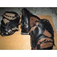 Base ball Gloves
