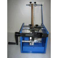 Manual taped capacitor leg-cutting machine