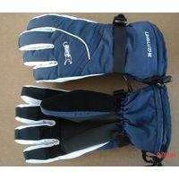 ski gloves thumbnail image