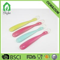 BPA-free Soft/Safe Silicone Material Baby Feeding Spoons for First Stage Babies