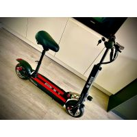Kugoo M4 electric scooter thumbnail image