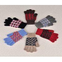 ST217  knitting gloves
