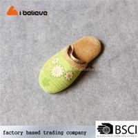 Handmade ornament wholesale latest memory foam slippers for women