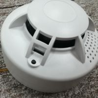 independent smoke detector with contact alarm photoelectric sensor thumbnail image