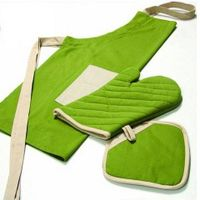 Apron set with glove and pot holder