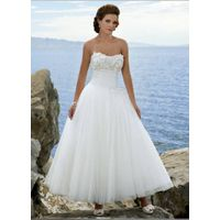 2011 Hot-selling sweetheart chapel train embroidered ball gown wedding dress