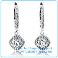 Fantastic Design 925 Sterling Silver Drop Earring with CZ Diamond