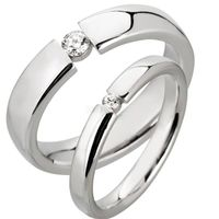 Lovers ring set in rhodium