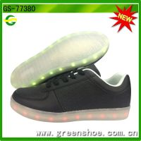 Hot selling popular led sneakers kids