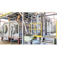 Machine converting waste plastics into oil