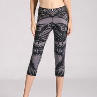 digital printed 3/4 length black running leggings made in china