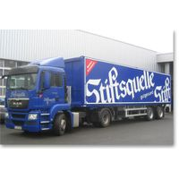 Dry truck body with PP honeycomb panel