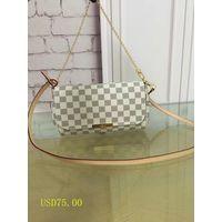ladies handbag thumbnail image