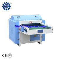 Polyester fiber opening machine